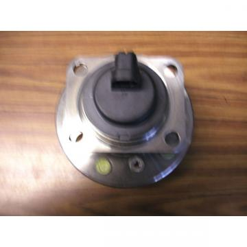 GM HUB AND BEARING OEM 12413003